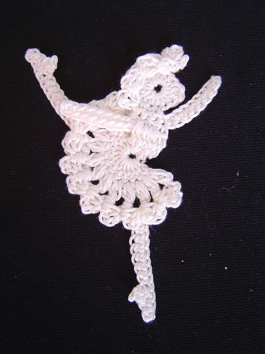 Swan Symphony Doilies - Megan Mills' Home page