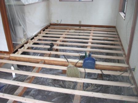床暖房工事終了☆_c0152341_2352275.jpg