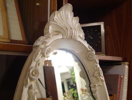 素敵な白い鏡・イタリアの大きなビン・小ぶりで渋いフォトフレーム入荷!!_a0096367_2243325.jpg