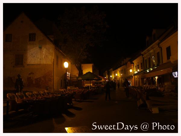 ザグレブ、夜のお散歩_e0046675_031676.jpg