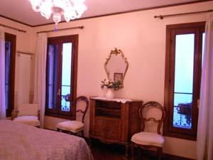 ヴェネツィアで泊まったホテルは~プチホテル ラ・カルチーナ_f0106597_17351384.jpg