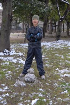 雪だるま、作りました!_d0127925_15593118.jpg