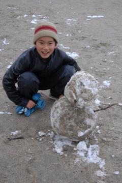 雪だるま、作りました!_d0127925_15595440.jpg