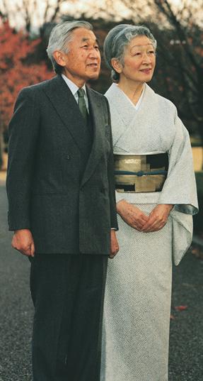写真集 美智子さまのお着物/朝日新聞社編_f0134963_17382943.jpg