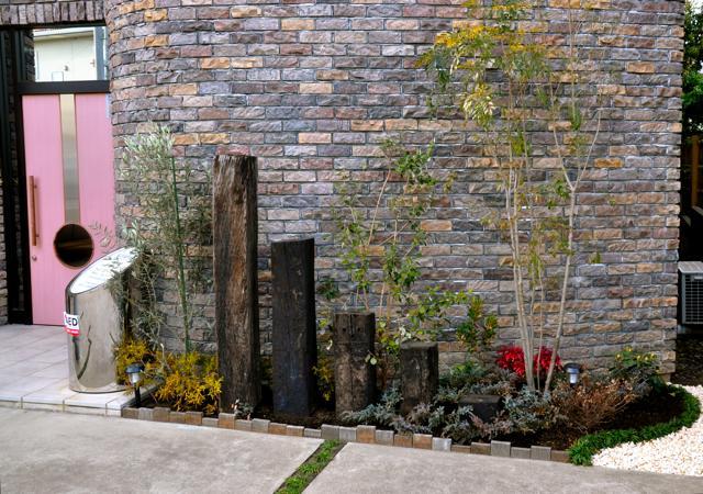 花壇にお花を植えました_f0157165_14384254.jpg