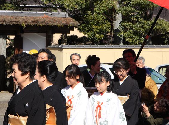 津大門のお雛さまが榊原温泉のお雛さまに_b0145257_18342979.jpg