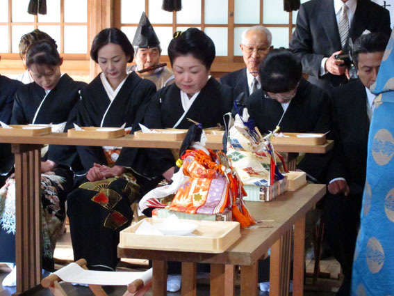 津大門のお雛さまが榊原温泉のお雛さまに_b0145257_1840149.jpg