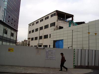 さよなら交通博物館 建物の解体状況(3)_f0030574_211639100.jpg