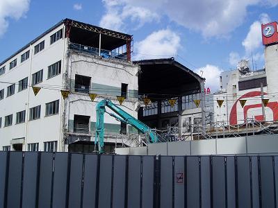 さよなら交通博物館 建物の解体状況(3)_f0030574_21175136.jpg