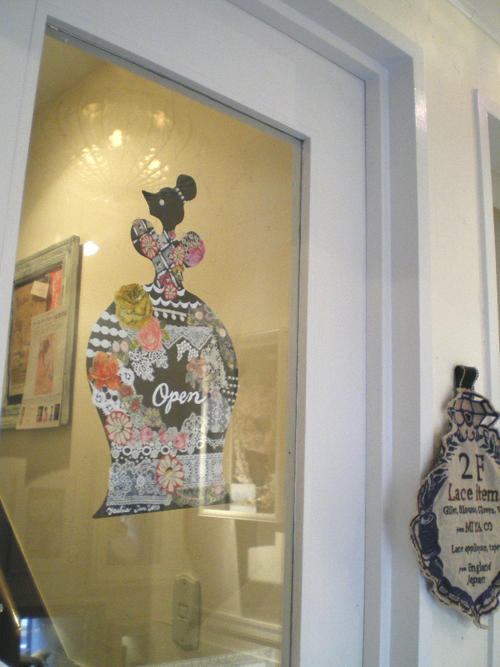 3周年記念イベント    〜yoshie\'s Queen & Lace Collage Workshop〜_b0117913_133304.jpg