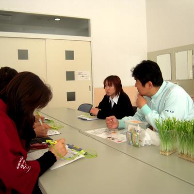 サラダ農園スタッフ研修_d0063218_1073348.jpg