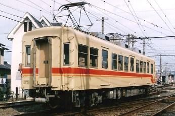 伊予鉄道の単行回送_e0030537_2334326.jpg