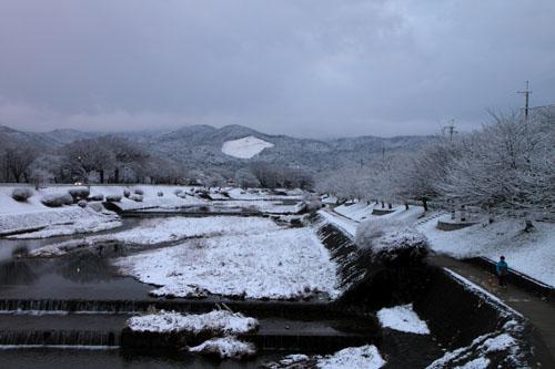 鴨川雪景色_e0048413_2192791.jpg