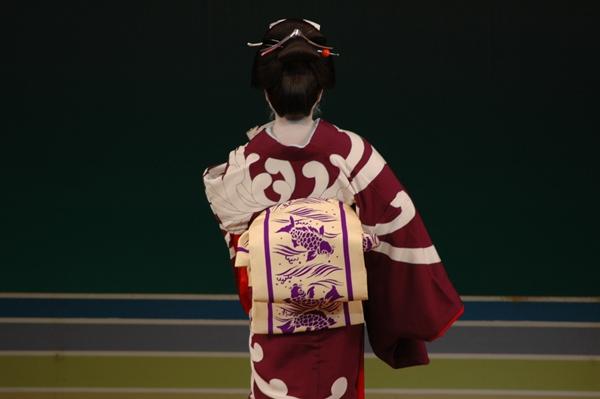大島紬×スワトウ刺繍_b0149624_8421382.jpg