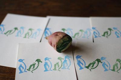 芋はんこを彫る_c0110869_2228096.jpg