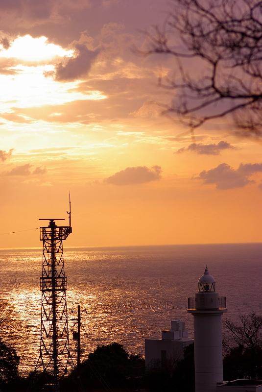 夕暮れの灯台_e0142877_229839.jpg