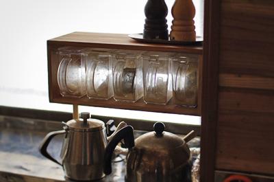 調味料を置く箱のような棚を作る_c0110869_14311946.jpg