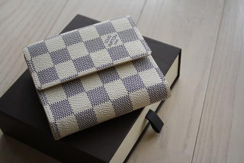 ソウルで買ったもの:ヴィトン ダミエ・アズールのお財布_d0153459_21511686.jpg