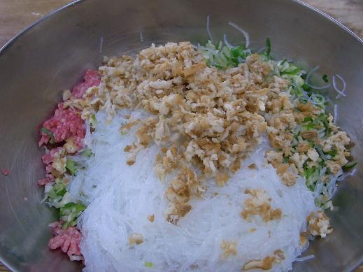 肉まん作り_e0108897_2319190.jpg