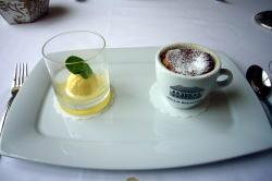今日も素敵なレストランで・・・_c0182100_21465489.jpg