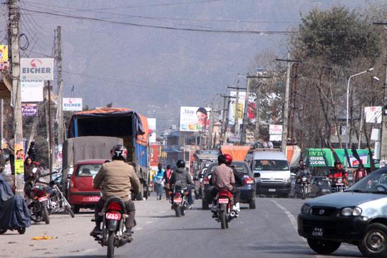 ネパールを歩く1、ポカラ ヒンドゥバシニ寺院など_e0048413_10271321.jpg
