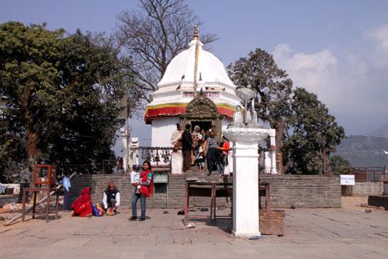 ネパールを歩く1、ポカラ ヒンドゥバシニ寺院など_e0048413_10273950.jpg