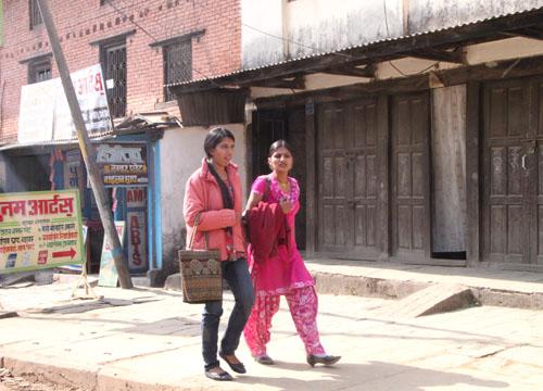 ネパールを歩く2 ポカラ オールドバザール_e0048413_21174496.jpg