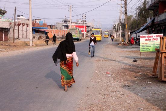 ネパールを歩く3 ポカラの街並み_e0048413_22281973.jpg