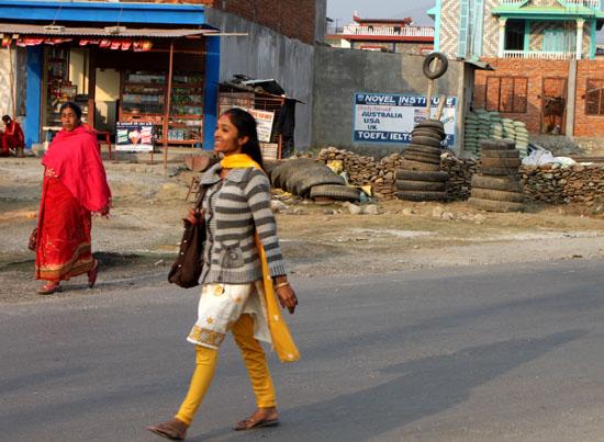ネパールを歩く3 ポカラの街並み_e0048413_22282975.jpg