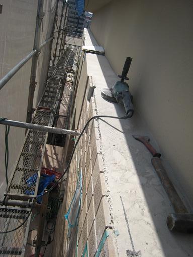 外壁タイルの事故_f0205367_16373452.jpg