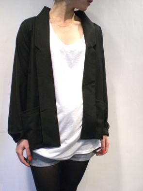 ジャケットとかカーデとか寒いけどこれからは必要になりますよね_b0136378_14552593.jpg