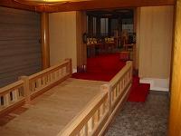 結婚式場の神殿の木橋と披露宴会場の家具をつくりました。_e0157606_18195789.jpg