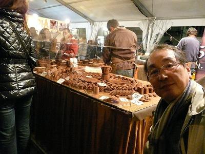 今日は2月14日。イタリア。フィレンチェのバレンタインデーのマーケットを紹介します。(第11話)_a0154912_23464255.jpg