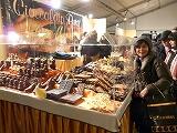 今日は2月14日。イタリア。フィレンチェのバレンタインデーのマーケットを紹介します。(第11話)_a0154912_23472254.jpg