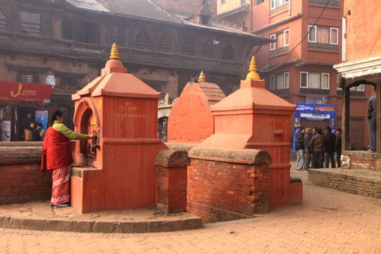 ネパールを歩く5 バクタブルのスタート_e0048413_20281742.jpg