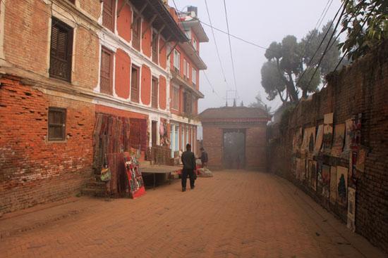 ネパールを歩く5 バクタブルのスタート_e0048413_2028767.jpg