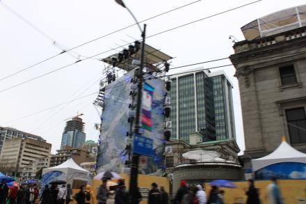 オリンピック2日目のダウンタウンの風景は?_d0129786_13451990.jpg