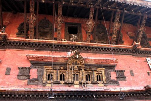 ネパールを歩く 7 バクタブル トウマディー広場_e0048413_21433391.jpg
