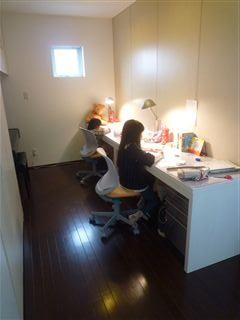 我が家の勉強机_c0131666_2215535.jpg