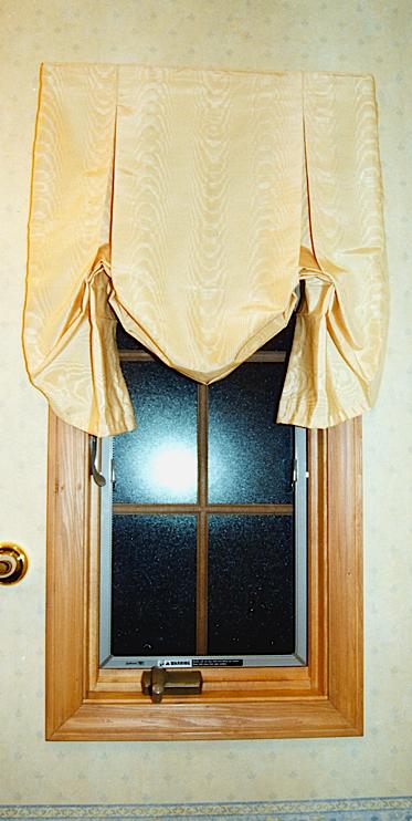 小窓のシェードスタイル_c0157866_23101146.jpg