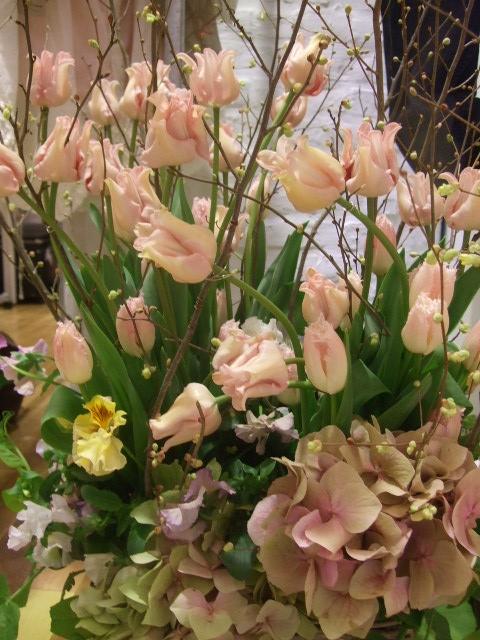 オークリーフ(ウィッティピクチャーと紫陽花のアレンジメント)_f0049672_14381194.jpg