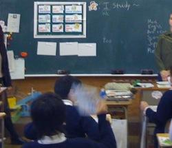 初めての外国語活動の授業_c0052304_6293886.jpg