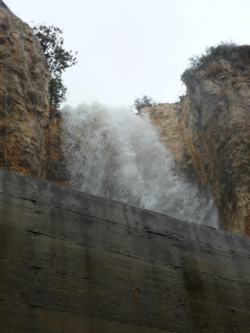 シラクーサ最大の滝 バゥ _d0084229_4103861.jpg
