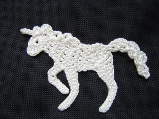 free crochet patterns: unicorn motif (figure horse with braided unicorn!)