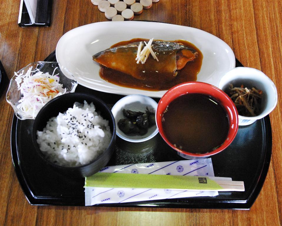 喫茶ひだまり新メニュー「サバ味噌煮定食」_a0103650_14571943.jpg