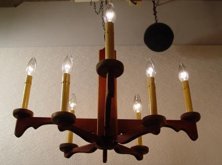 木製・8灯 シャンデリア 古い資生堂の手鏡 入荷!!_a0096367_23151543.jpg