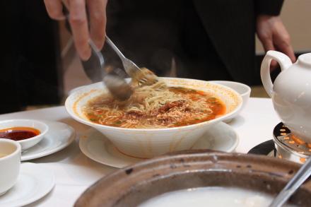 やっとリニューアルオープン♪ 麒麟中華レストラン。_d0129786_14102434.jpg