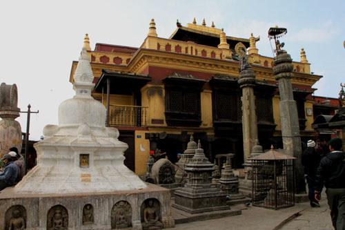 ネパールを歩く 11カトマンドウで_e0048413_2353463.jpg