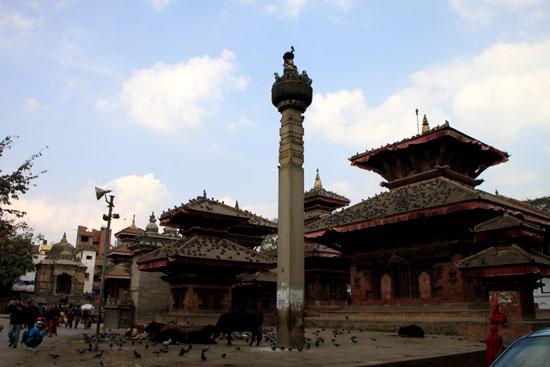ネパールを歩く 12 カトマンドウ ダルバール広場_e0048413_23361830.jpg