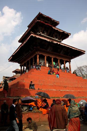 ネパールを歩く 12 カトマンドウ ダルバール広場_e0048413_23363261.jpg